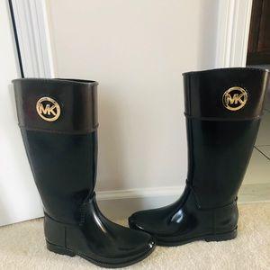 Size 9 Michael kors boots